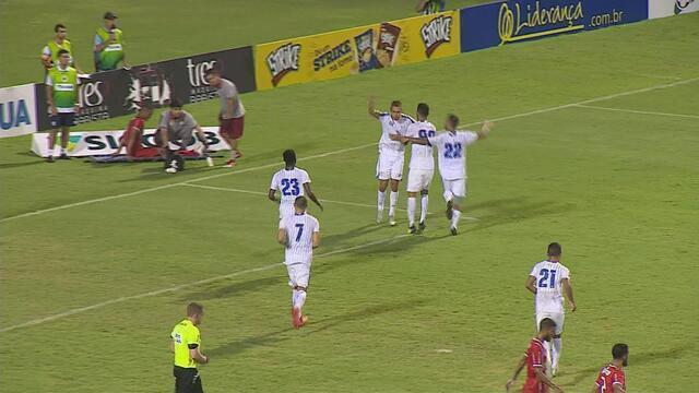 Gol do Avaí! Em cobrança de pênalti, Julinho marca o terceiro contra o Hercílio