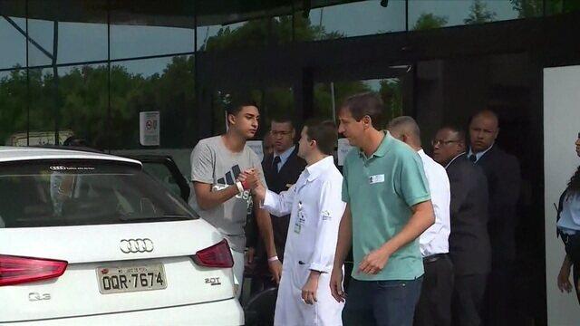 Segundo sobrevivente da tragédia do CT do Flamengo, Francisco Dyogo deixa o hospital