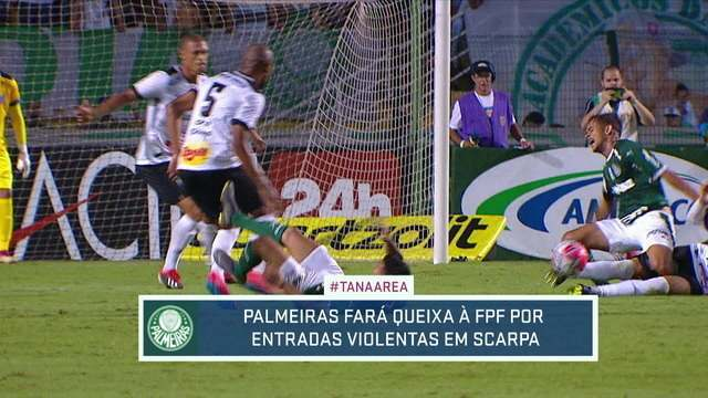 Com entorse após entrada dura contra o Bragantino, Scarpa pode desfalcar Palmeiras por até três semanas
