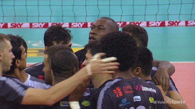 Os pontos finais de Maringá 3 x 0 Corinthians pela Superliga de Vôlei