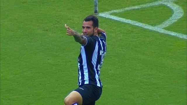 Premiado com o melhor gol do Catarinense, Willian Popp agradece votos de torcedores