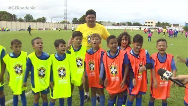 CBF realiza ação social para motivar o esporte entre as crianças, em Porto Velho