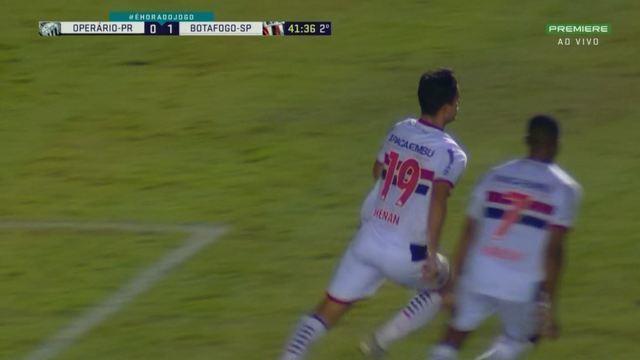 Gol do Botafogo-SP! Henan aproveita rebote da trave e amplia, aos 41 minutos do 2º tempo