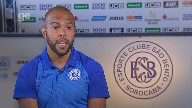 Dividindo artilharia com Diego Souza, Alecsandro revela papo após gol perdido na Libertado