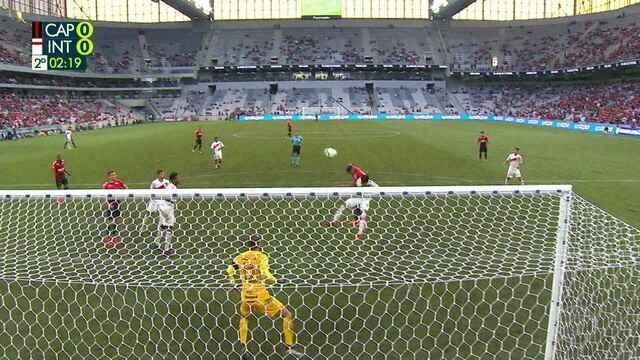 Bruno Guimarães cruza e Rony cabeceia para fora, aos 2` do 2º tempo
