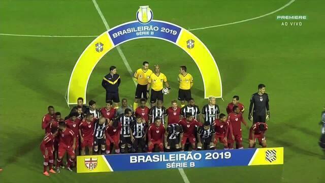 Jogadores do Figueirense e do CRB posam juntos para foto