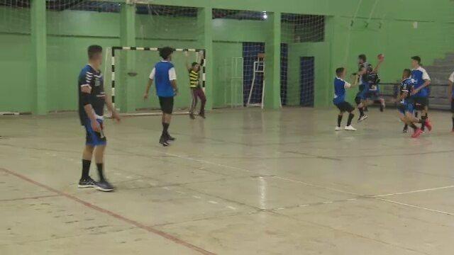 Handfamília vence Flamengo na abertura da Copa de Handebol Masculino Sub-21