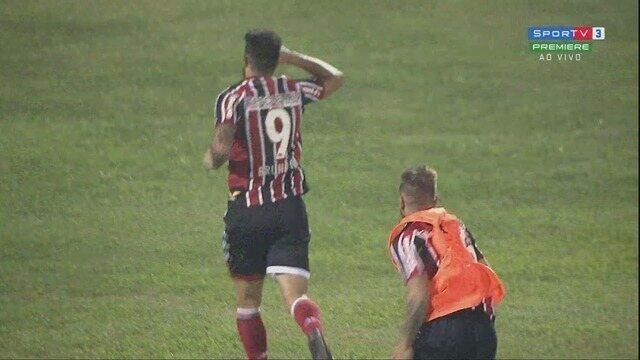 GOL! Marlon Freitas cruza, Bruno Moraes aparece livre e marca, aos 29' do 2ºT