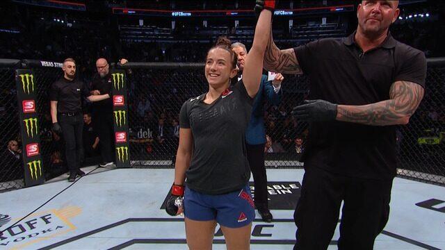 Melhores momentos da luta entre Maycee Barber x Gillian Robertson - UFC Boston