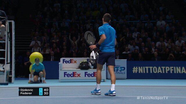 Djokovic faz o último ponto do quinto game
