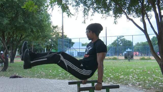 Conheça a calistenia, o exercício que se pratica com o peso do próprio corpo