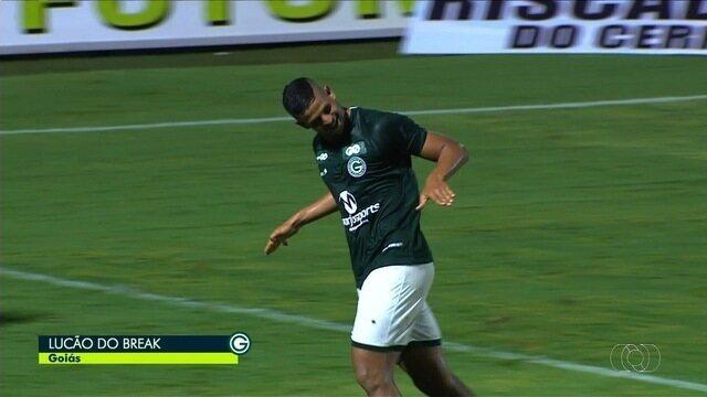 Gol do Goiás! Lucão aproveita vacilo da zaga e marca, aos 43 minutos!