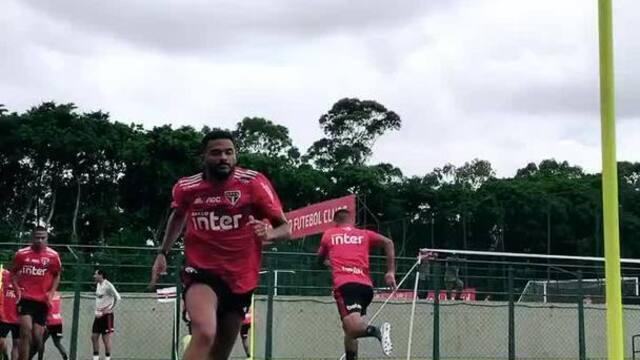 São Paulo faz último treino antes do clássico contra o Palmeiras