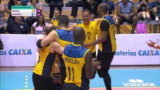 Pontos finais de Brasil 3 x 2 Ucrânia pelo amistoso de vôlei adaptado