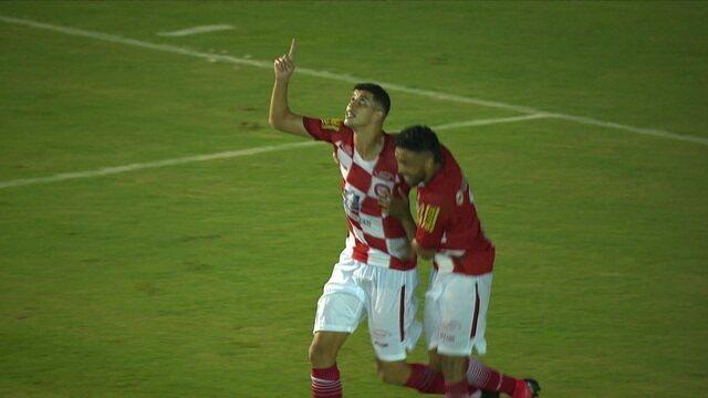 Gol do Tombense! David cobra escanteio e Rubens sozinho cabeceia e manda direto para o gol, aos 34 do 1º tempo