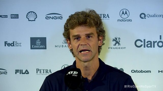 Promessa brasileira, Pedro Boscardin é acompanhado por Guga e ganhou chance no qualifying do Rio Open
