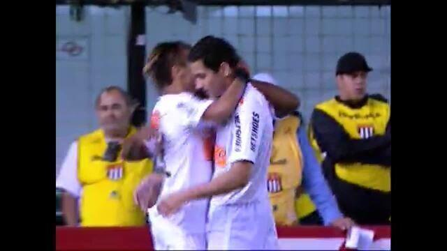 Gol do Santos! Neymar entra na área e finaliza, aos 5 do 2º tempo