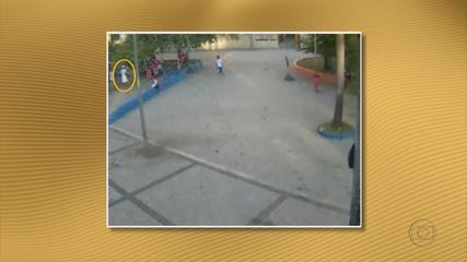 Security camera catches a murder on New Year Day in a public plaza in Recife 01 January 2012
