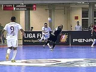 Futsal legend Falcao tries to score outrageous goal...