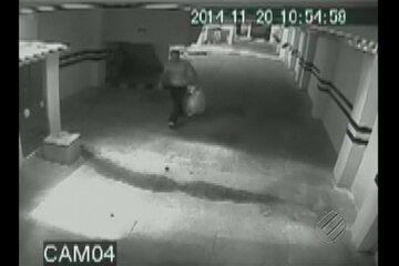 Assaltantes invadem apartamento e depois fogem de ônibus, em Belém