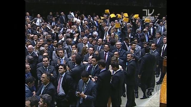 Câmara rejeita todas as propostas para alterar o sistema eleitoral