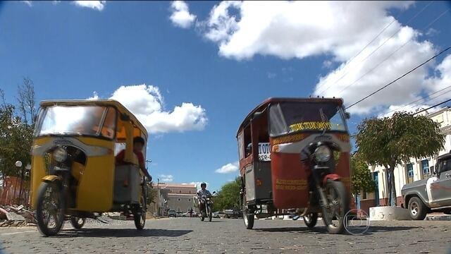 Comum na Índia, tuk tuk conquista moradores de cidade do interior da PB