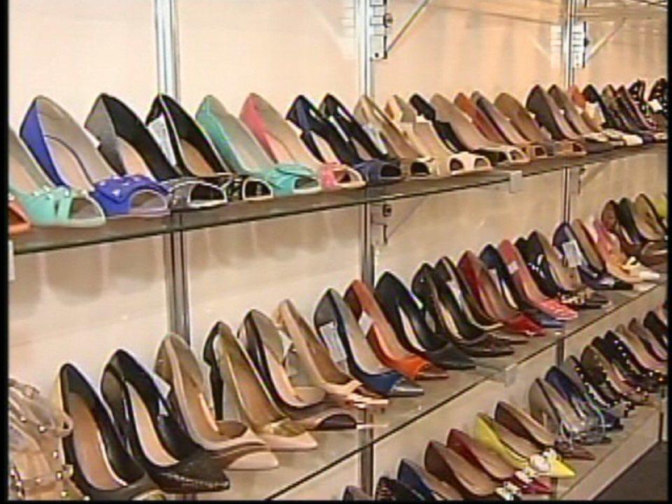 e9147f8b4 Fabricantes de calçados em Jaú já trabalham na coleção Outono/Inverno - G1  Bauru/ Marília - TEM Noticias 2ª Edição - Catálogo de Vídeos
