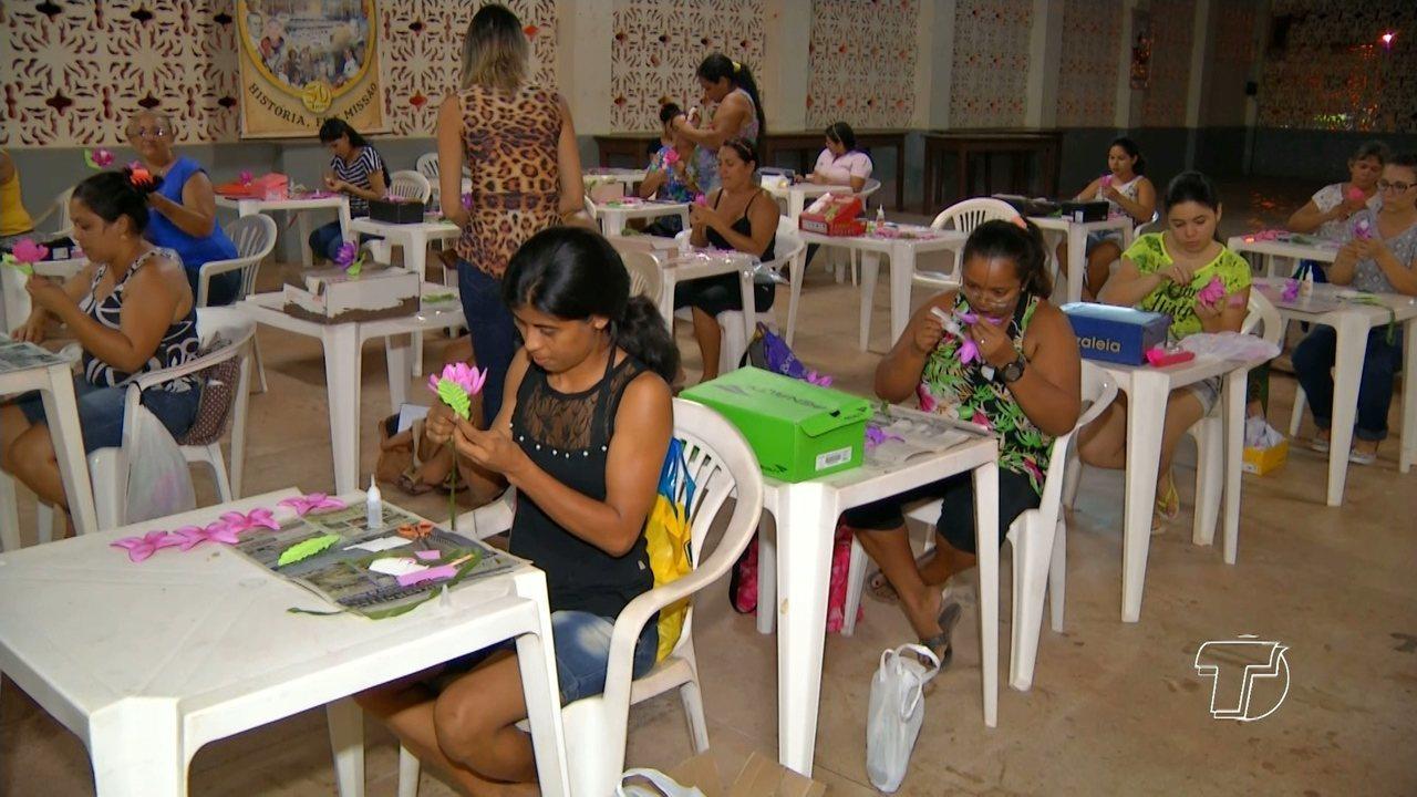 Aparador Com Gavetas Branco ~ Moradores do bairro Santíssimo participam de curso de artesanato em Santarém G1 Santarém e