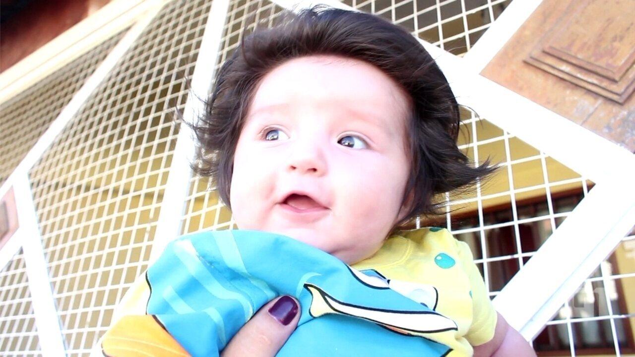 Bebê cabeludo de Sorocaba faz sucesso na web e atrai curiosos