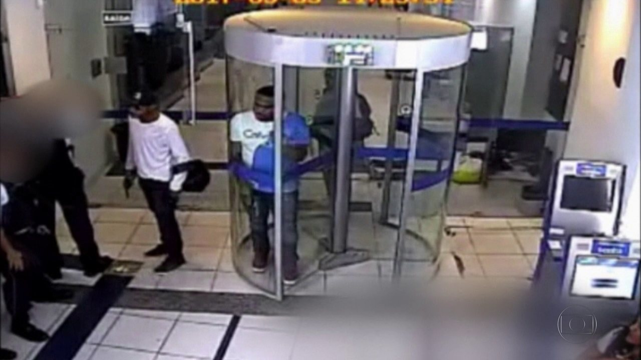 Vídeo do assalto à agência bancária localizada na Rua da Hora foi divulgado pela Polícia Federal