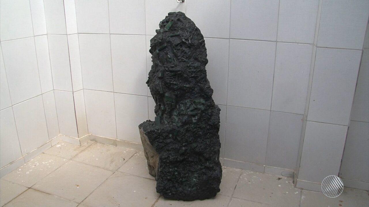 Esmeralda com mais de 300 kg é encontrada em Pindobaçu, no norte do estado