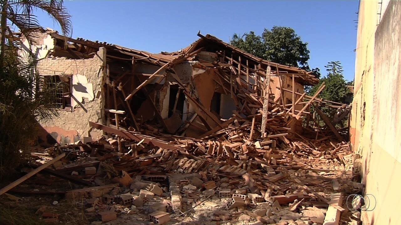 Grupo explode fundos de presídio e destrói casa em Guapó; 11 presos fogem