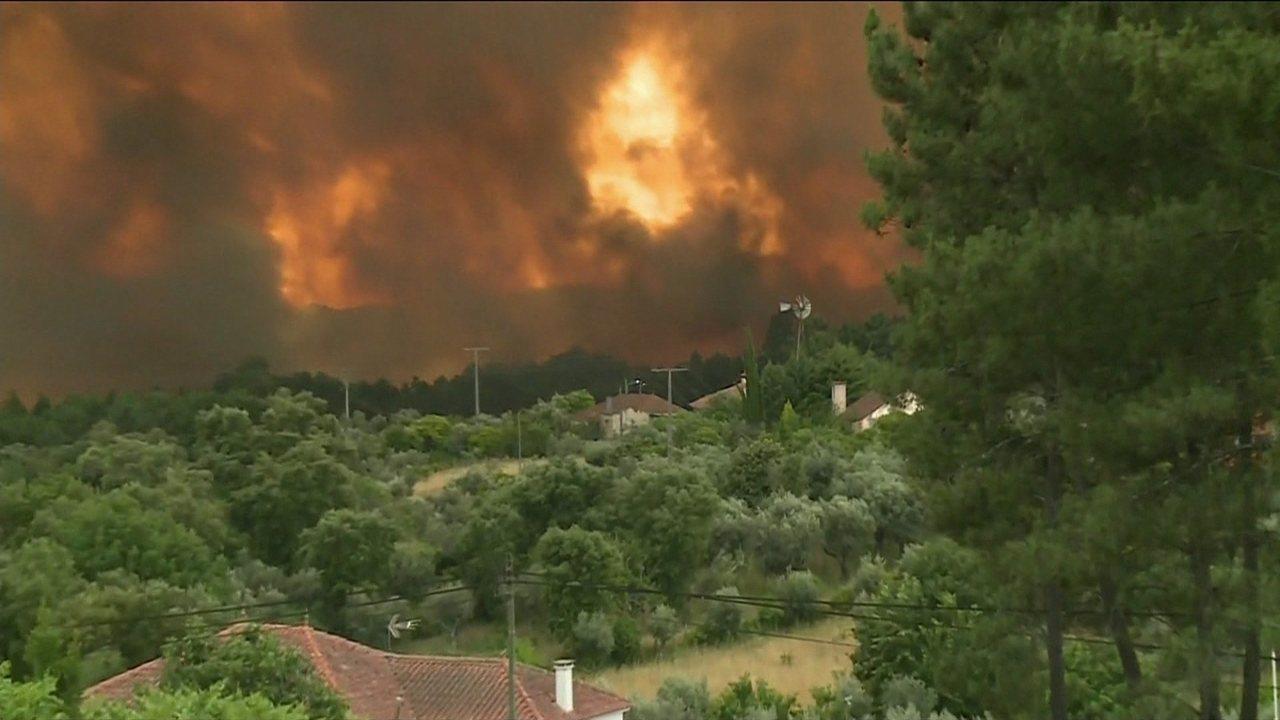 Sobe o número de mortos no maior incêndio florestal em Portugal nos últimos anos