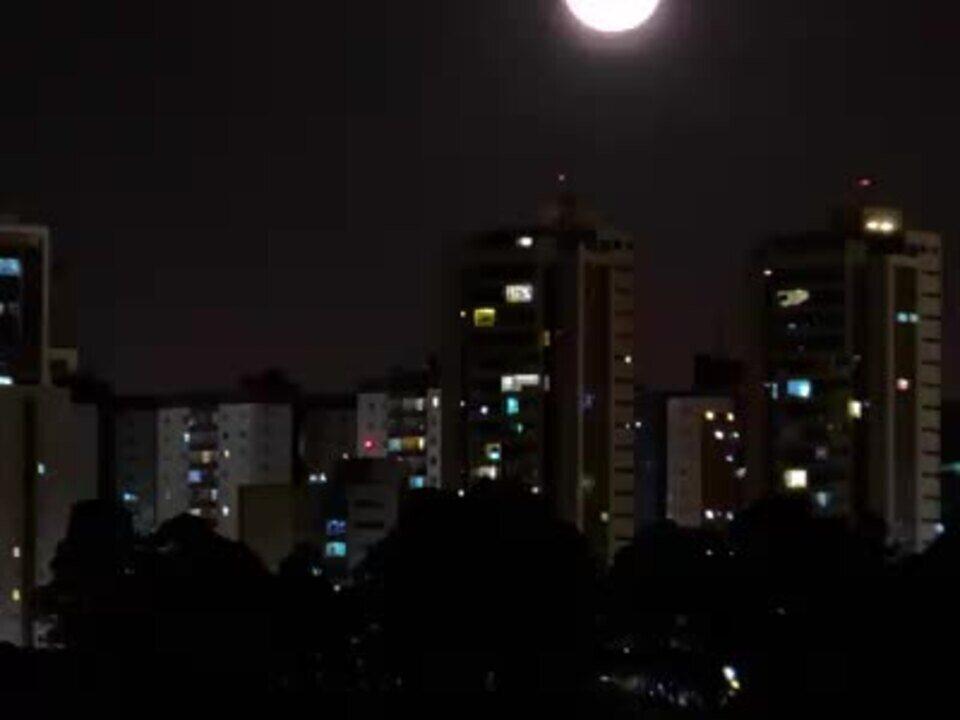 Timelapse da Lua Crescente se pondo sobre Águas Claras (DF)