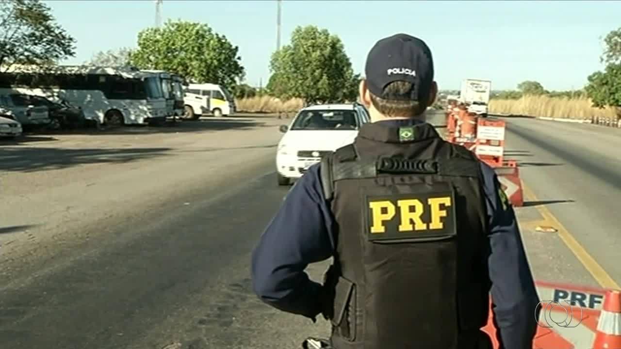 Mais de 160 motoristas são multados nas rodovias por transportar crianças sem a cadeirinha