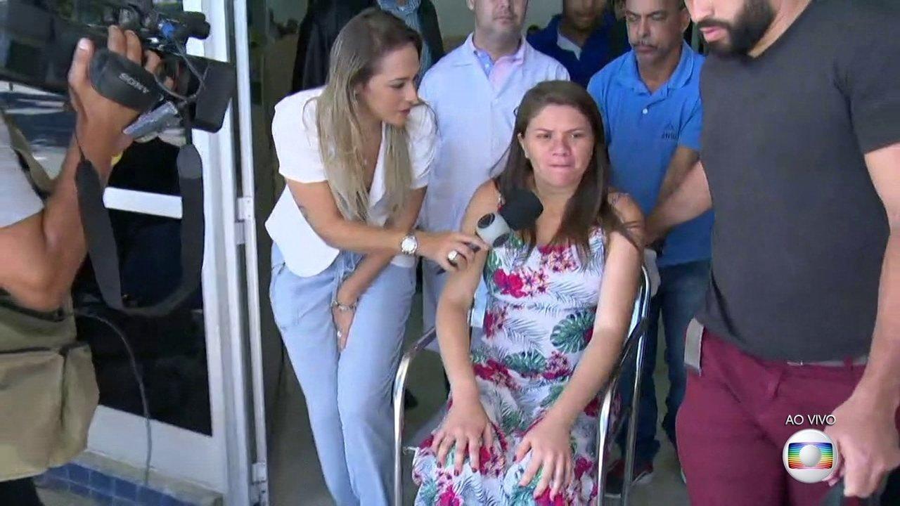 Mãe de bebê atingido por uma bala perdida no útero recebe alta do hospital em Caxias