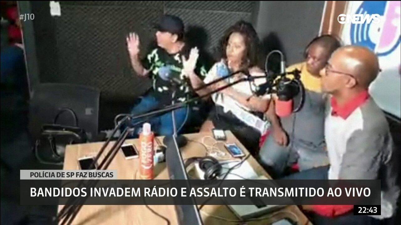 Bandidos invadem rádio em SP e assalto é transmitido ao vivo