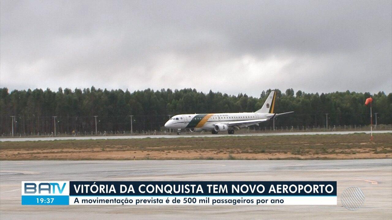 Resultado de imagem para Conquista: Visita de Bolsonaro e inauguração do aeroporto são destaque no Jornal Nacional, da Globo; assista