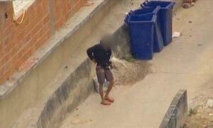 Traficante circula exibindo arma no Morro da Providência