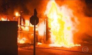 Quatro ônibus e um carro são incendiados em Cascavel (PR)