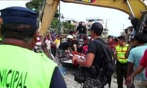 Equador busca sobreviventes do terremoto que matou mais de 270
