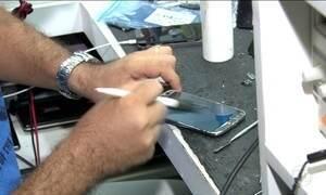 Empresas de assistência técnica faturam com consertos de celular