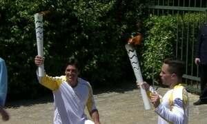 Chama Olímpica é acesa em cerimônia na Grécia
