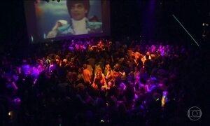 Fãs fazem tributo ao cantor Prince nos Estados Unidos