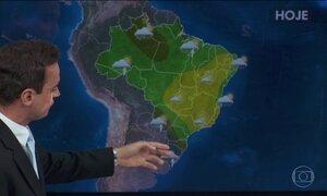Sul do Brasil deve ter mais chuva forte nesta segunda-feira (25)