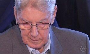 Ex-guarda do campo de concentração nazista de Auschwitz é julgado na Alemanha