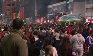 Abertura de processo de impeachment provoca protestos pelo país