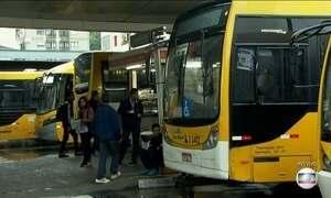 Motoristas de ônibus param por duas horas em São Paulo
