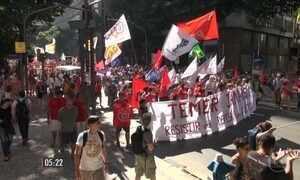 Manifestantes saem às ruas contra governo Temer