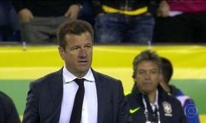 Seleção eliminada da Copa América volta ao Brasil e pode ter mudanças no comando
